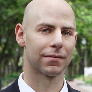 Photo of Adam Grant.